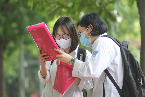 Bộ GD-ĐT công bố đề thi tham khảo cho kỳ thi tốt nghiệp THPT năm 2021 - Ảnh 1.
