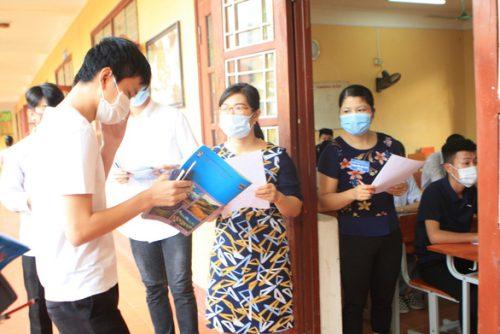 Bộ GD-ĐT công bố đề tham khảo môn Giáo dục công dân và 7 môn ngoại ngữ - Ảnh 1.