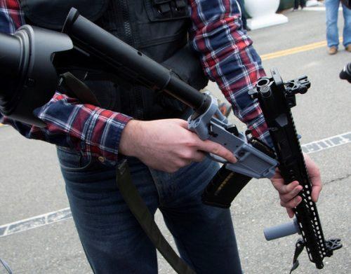 Xả súng tại Texas sau tuyên bố kiểm soát súng đạn của ông Biden - Ảnh 2.