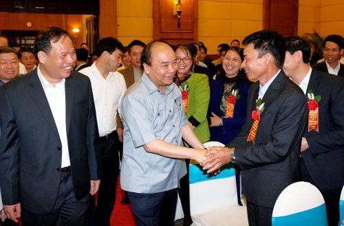 Thủ tướng Nguyễn Xuân Phúc và 3 lần trực tiếp đối thoại với nông dân - Ảnh 2.