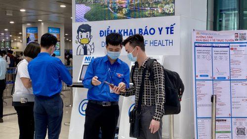 Ngày 29-4, sân bay Tân Sơn Nhất có lượng hành khách cao nhất lịch sử - Ảnh 1.