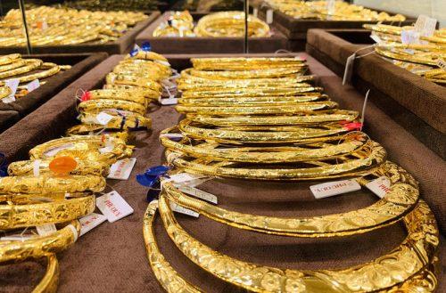 Giá vàng hôm nay 4/5: Bất ngờ đảo chiều, USD giảm, vàng tăng nhanh