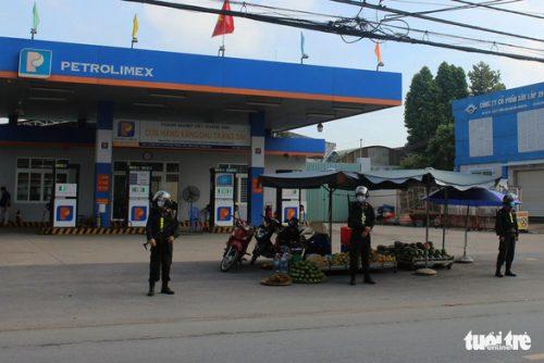 Vụ 2,7 triệu lít xăng giả: Khám xét thêm 1 trạm xăng dầu tại TP Biên Hòa - Ảnh 1.