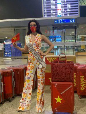 """Nhan sắc quyến rũ """"đốn tim"""" của Hoa hậu Khánh Vân trên đường sang Mỹ thi Miss Universe - Ảnh 6."""