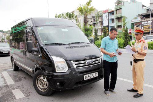 Quảng Ninh tạm dừng một số tuyến vận tải liên tỉnh để ngừa COVID-19 - Ảnh 1.