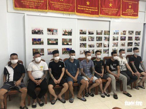 Xóa sổ đường dây từ Hà Nội vào Đà Nẵng cho vay lãi nặng, tạm giữ 14 người - Ảnh 1.