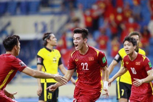 Việt Nam bay cao World Cup: Liều vắc xin cho Tổ quốc chống dịch...
