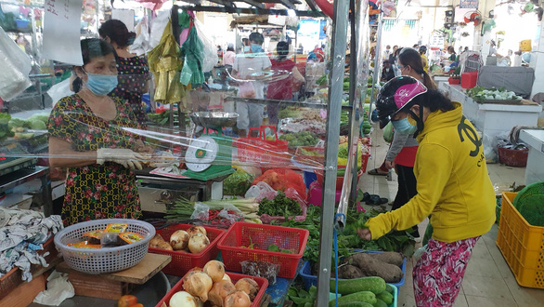 TP.HCM: Thêm nhiều chợ hoạt động lại - Ảnh 1.