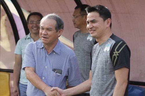 Bầu Đức: Tôi sẵn sàng để Kiatisuk về lại đội tuyển Thái Lan - 1