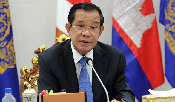 Số ca COVID-19 tăng cao bất thường, Campuchia hủy lễ hội trong chùa - Ảnh 1.