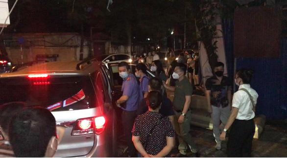 Nguyên trưởng Phòng cảnh sát kinh tế Công an Hà Nội Phùng Anh Lê bị bắt tạm giam - Ảnh 1.